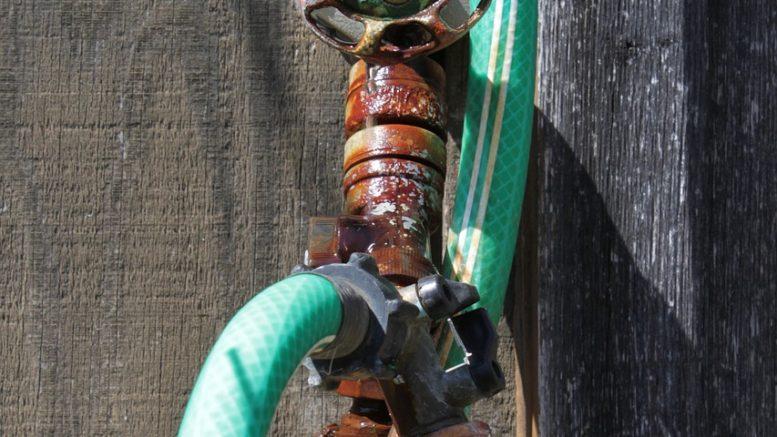 tuyau-robinet