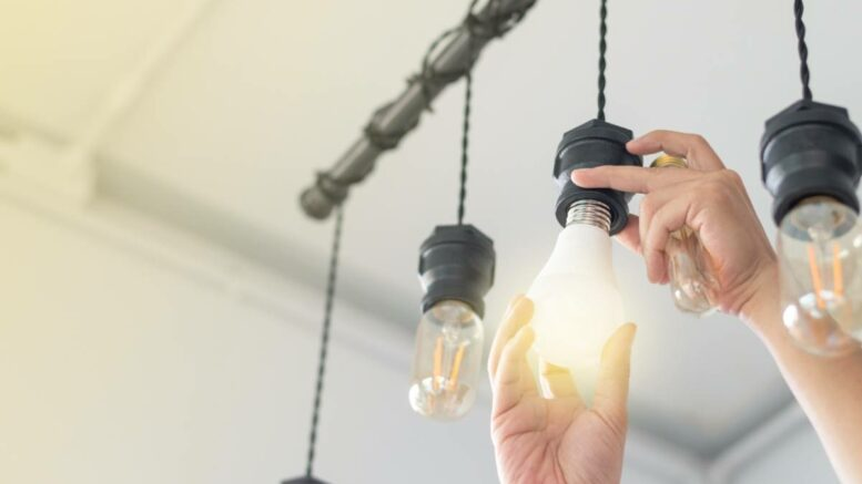 relamping changement luminaire ampoule